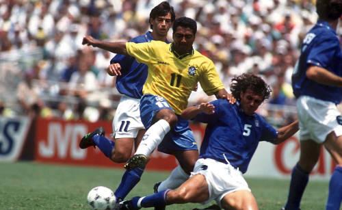 Contrasto Paolo Maldini